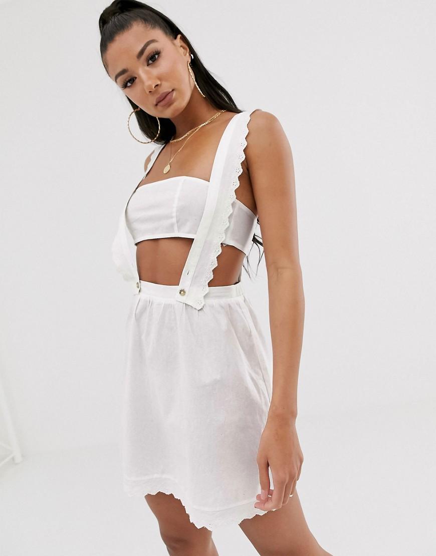 Vestido de playa estilo peto con detalle de bordados de ASOS DESIGN