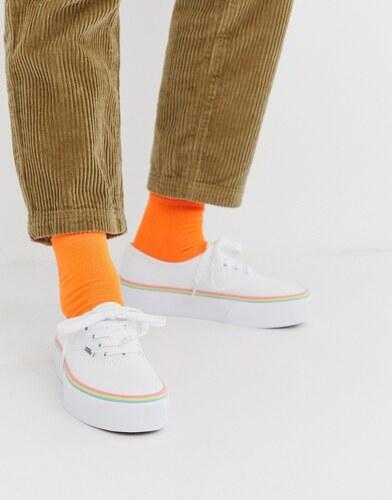 Zapatillas con plataforma y detalle multicolor de Vans